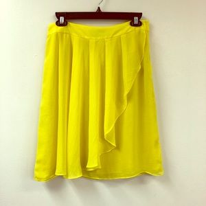 NWT H&M Flowy Yellow Skirt Size 8